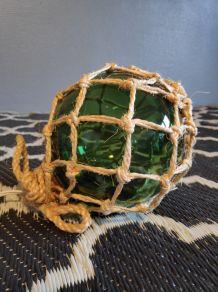 lampe flotteur en verre vert et cordelette
