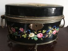 boîte à bijoux en porcelaine style Empire