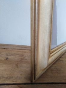 cadre beige en bois