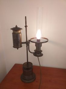 Lampe style quinquet providentiae memor ordre de Saxe