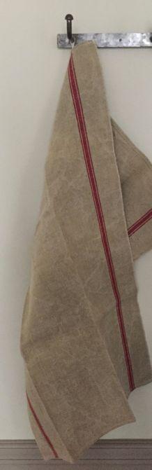 Linge ancien : Paire de torchons en chanvre à liteaux rouges