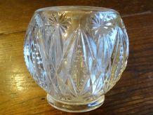 vase boule verre taillé