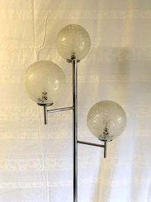 Lampadaire métal chromé 3 feux pied tulipe – années 70