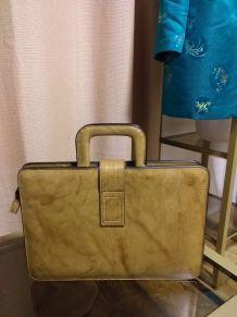 Sacoche cartable en skaï vintage