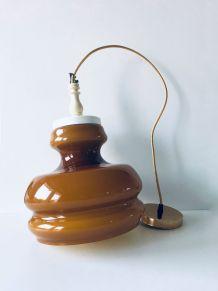 Suspension années 70 en opaline caramel