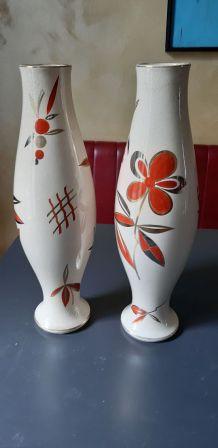 Paire de grands vases