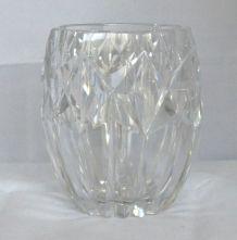 Vase en cristal taillé Haut. 18 cm dia 16 cm petites rayures
