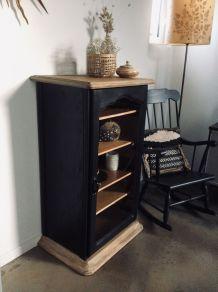 Buffet vitrine étroit en bois massif noir vintage