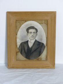 Portrait ancien encadrement bois