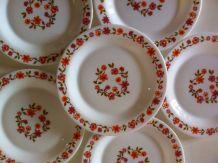 6 assiettes à dessert vintage Arcopal