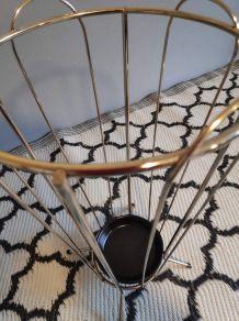 porte- parapluies métal doré et soucoupe terre cuite noire