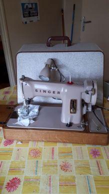 Machine à coudre Singer années 60