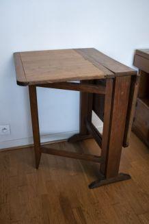 Table ancienne pliante en chêne vintage