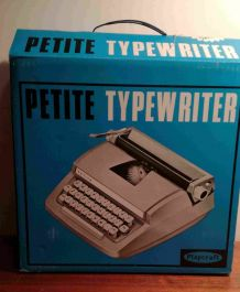 """Machine à écrire de 1968 """"Petite"""" De Luxe Junior"""