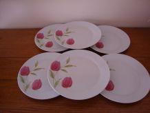 6 anciennes assiettes à dessert en porcelaine