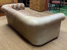 Canapé Chesterfield des années 70 en cuir