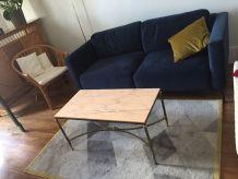 Table basse en marbre et pieds laiton