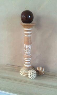 Grand chandelier/porte bougie en bois sculpté