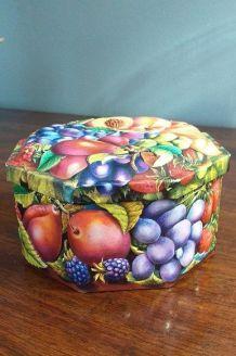 Boîte en fer hexagonale décorée type barbotine