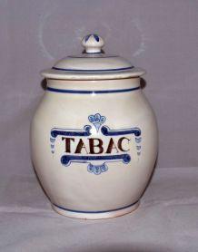 Pot à tabac avec couvercle en céramique signé (petit éclat)