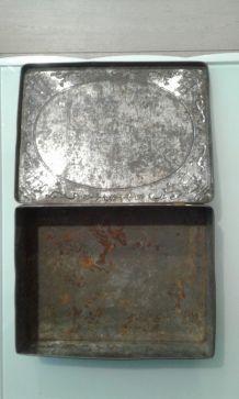 Boîte metal