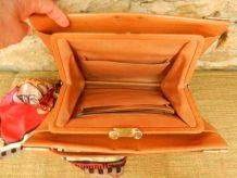 sac vintage et graphique en cuir naturel