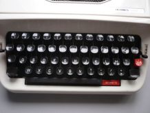 Machine a ecrire Hermes Baby S