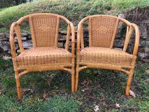 paire de fauteuils en rotin datant des années 60