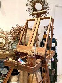 Ancien chevalet de peintre en bois pliable de 1930