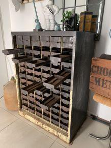 Ancien meuble industriel d'atelier métal vintage