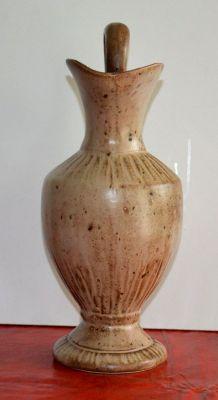 Pichet en grès de Vallauris signé avec petit éclat
