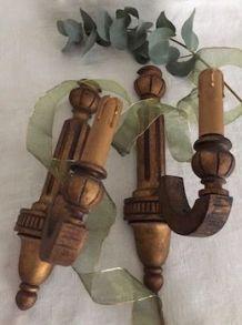 Paire d'appliques en bois, dorure à l'ancienne