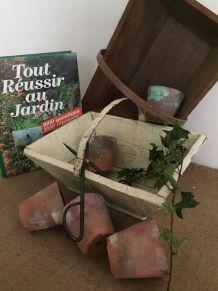 Deux paniers en bois pour le jardin et la déco