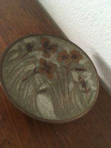 Vide poche sur pied en cuivre , art nouveau.