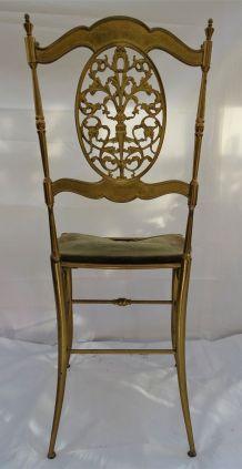 Chaise en laiton massif
