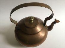 Très belle théière en cuivre vintage