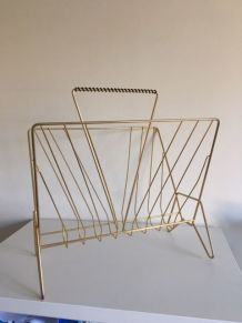 Porte revues en métal doré