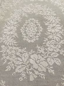 Linge de table ancien : Nappe dentelle au crochet