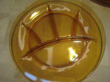 6 assiettes en verre Duralex France a fondu  diametre 23.50