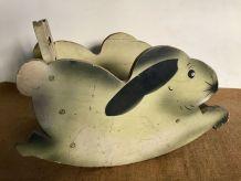 Jouet ancien, lapin à bascule en bois