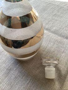 Carafe en verre granité