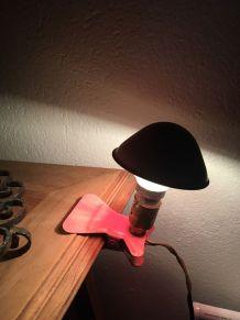 Lampe champignon veilleuse à pince.