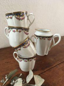 Service à thé en porcelaine.