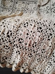 Grand plaid crochet dentelle vintage fait main beige