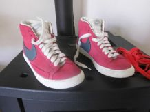 BASKETS BLAZER NIKE T. 38 rouges