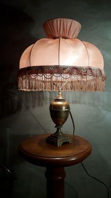 lampe laiton   1900 a 20     abat jour  rose