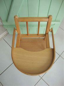 Chaise haute de poupée ou doudou