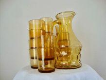 Service carafe et 15 verres vintage