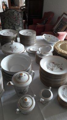 Service ancien COMPLET porcelaine Fine de L