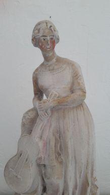 Ancienne statue Femme à la guitare